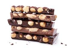巧克力,特写镜头纤巧片断与坚果的 库存照片