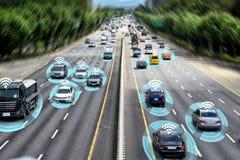 巧妙的汽车,自治自驾驶的概念 免版税库存照片