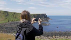 巨人堤道-一个普遍的地标在北爱尔兰 股票视频