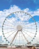 巨人弗累斯大转轮俯视维多利亚港的香港 库存图片
