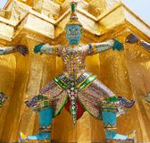 巨人菩萨在盛大宫殿 库存照片