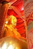 巨人Wat Phananchoeng菩萨雕象在阿尤特拉利夫雷斯 图库摄影