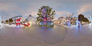 巨型圣诞树天夜综合, Targu Mures,罗马尼亚 库存照片