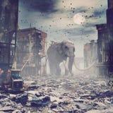 巨型大象在被毁坏的城市 向量例证