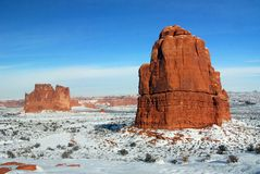 巨型独石砂岩冬天 库存图片