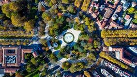 巨型环形交通枢纽的空中照片在图卢兹市 免版税库存照片