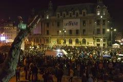 巨型的奇特的抗议在布加勒斯特 库存照片