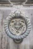 巨型的金属城市门的装饰元素 免版税库存照片