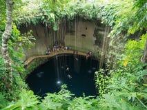巨型石灰岩地区常见的地形湖墨西哥 库存图片