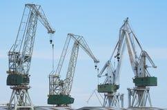 巨型造船厂起重机 免版税图库摄影