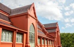 巨型门外部在皇家老rooft建筑学的 免版税库存图片
