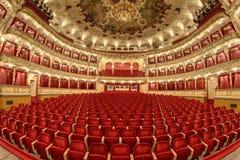 巨大剧院的空的观众席 库存照片