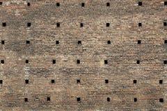 巨大的中世纪砖墙 免版税库存照片