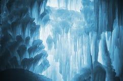 巨大的冰冰柱 免版税库存照片