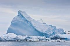 巨大的冰山 库存照片