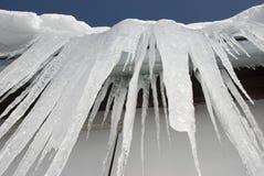 巨大的冰柱 免版税库存图片