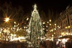 巨大的圣诞树在布达佩斯 免版税库存图片