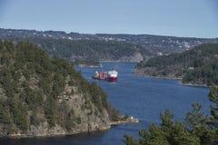 巨大的拖曳在Iddefjord 免版税库存图片
