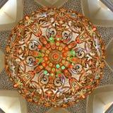 巨大的枝形吊灯在扎耶德回教族长清真寺在阿布扎比 库存照片