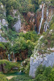 巨大的瀑布在Plitvice湖国家公园 免版税库存图片