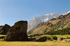 巨大的石头 免版税库存图片