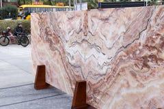 巨大的美好的自然石材料 免版税库存图片