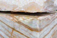 巨大的自然石材料 免版税图库摄影