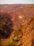 巨大的铁上面曝露的矿 免版税图库摄影