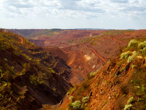 巨大的铁上面曝露的矿 库存图片