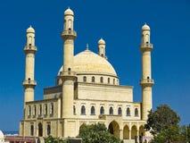 巨大的20世纪90年代Rehime Khanim清真寺在Nardaran,阿塞拜疆 库存图片