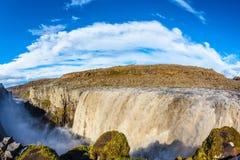 巨大秋天黛提瀑布在冰岛 图库摄影