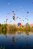 巨大里诺气球种族 免版税库存照片
