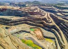 巨大,露天开采矿矿鸟瞰图  库存照片