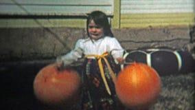 巨石城, CO 美国- 1974年:巨型沙袋气球生日惊奇活动户外 股票录像