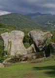 巨石工程和竖石纪念碑在Filitosa小山,南可西嘉岛 库存照片