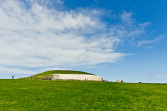 巨石段落坟茔, Newgrange,爱尔兰 库存照片