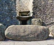 巨石段落坟茔, Newgrange,爱尔兰 免版税库存照片