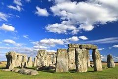 巨石阵在萨利,威尔特郡,英国附近的一座古老史前石纪念碑。它任何地方从3000 BC被修造了到2000年BC。Sto 库存图片