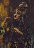 年轻巫婆hloding的镰刀 明亮组成,头骨,烟万圣夜题材 免版税图库摄影