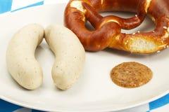 巴伐利亚人必须椒盐脆饼香肠甜点小&# 库存照片