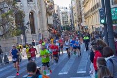 巴伦西亚,西班牙- 12月02:赛跑者在XXXVIII巴伦西亚马拉松2018年12月18日竞争在巴伦西亚,西班牙 免版税库存图片