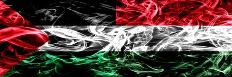 巴勒斯坦对匈牙利,肩并肩被安置的匈牙利烟旗子 巴勒斯坦人和匈牙利,Hunga的厚实的色的柔滑的烟旗子 皇族释放例证