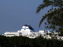 巴勒莫,西西里岛,意大利 11/04/2010 Tirrrenia船停住在t 免版税库存照片