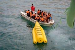 巴南在Dibba Musandam,阿曼的小船冒险 库存照片