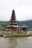 巴厘岛水寺庙垂直 图库摄影