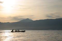 巴厘岛海运日出 库存图片