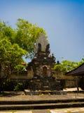 巴厘岛,印度尼西亚- 2017年3月11日:一个Indu寺庙的入口在Ubud,在巴厘岛海岛,位于印度尼西亚 图库摄影