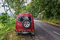 巴厘岛,印度尼西亚- 2017年12月17日:在mou的小汽车 库存图片