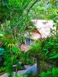 巴厘岛,印度尼西亚- 2012年4月13日:温泉水池看法在Tjampuhan旅馆 库存照片