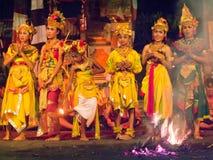 巴厘岛,印度尼西亚- 5月14 :传统巴厘语F的介绍 免版税库存照片